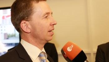 Lucke: Keine Rechtsgrundlage für Eurozonenhaushalt