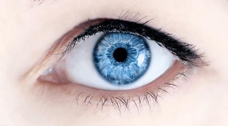 Trucco per gli occhi blu