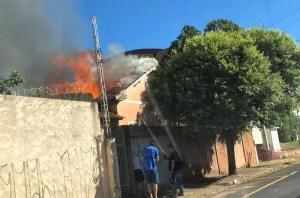 Casa pega fogo em Rio Preto