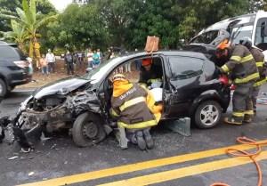 acidente entre três carros em Marília