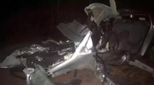 acidente entre carro e caminhão em Angatuba
