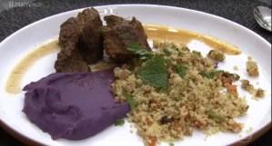 Carne de Panela com Cuscuz e Purê de Batata-Doce Roxa