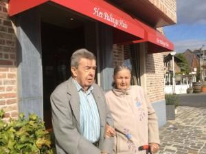 Annic De Leenheer: vader is 23 juni 90 geworden en mijn moeder 20 september 88 zij is in Rusland geboren en na de oorlog heeft ze mijn vader gevolgd naar belgie .eigenlijk waren ze eerder aan de trein in Duitsland getrouwd maar er ontbrak een stempel dus moesten ze het nog eens overdoen in Belgie