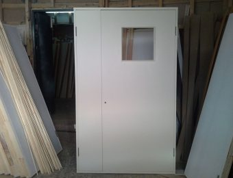 Двухстворчатая пластиковая дверь покрытая CPL