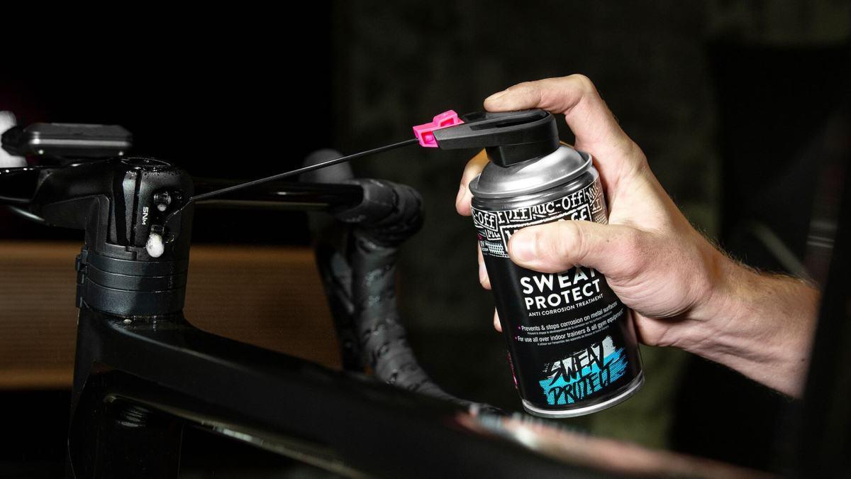 - Muc-Off indor sweat protection, zaščita športne opreme pred znojem 300ML - OPTIBIKE
