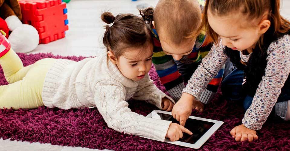 El Colegios de Ópticos-Optometristas recomienda elegir juguetes para niños que no sean dañinos para la vista