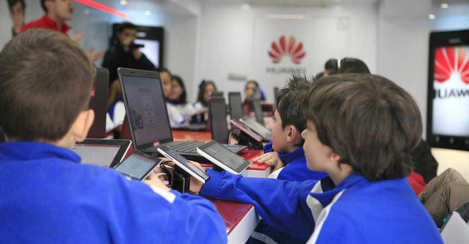 En el año 2020 el 33% de los jóvenes serán miopes como consecuencia del uso de la tecnología, según una experta