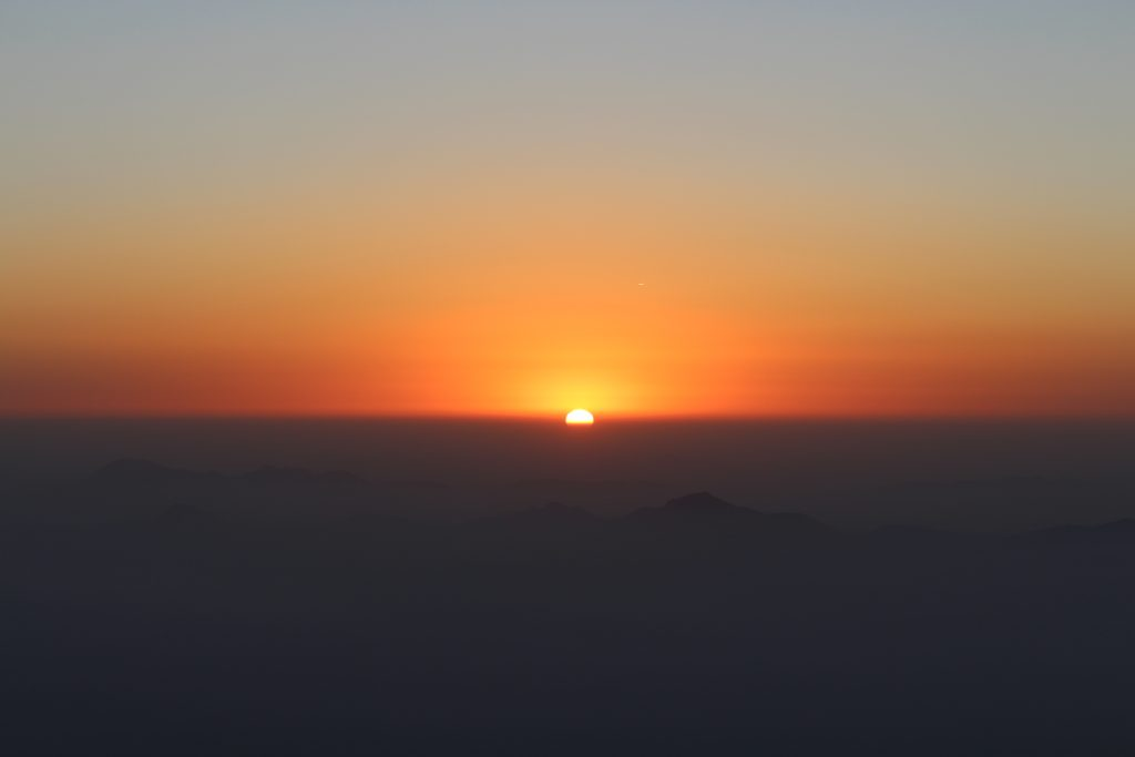 sunrise in mount abu trekking
