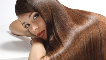 Read: Benefits of Onion Juice for Hair and 5 Best Onion Hair Masks for Hair Regrowth