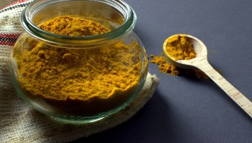 Best Homemade Turmeric Face Packs for Acne, Fairness, Tanning, Pimple and Dull Skin