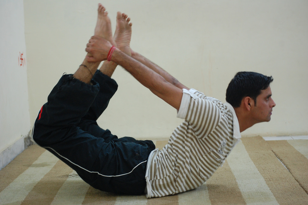 bow pose for weight loss