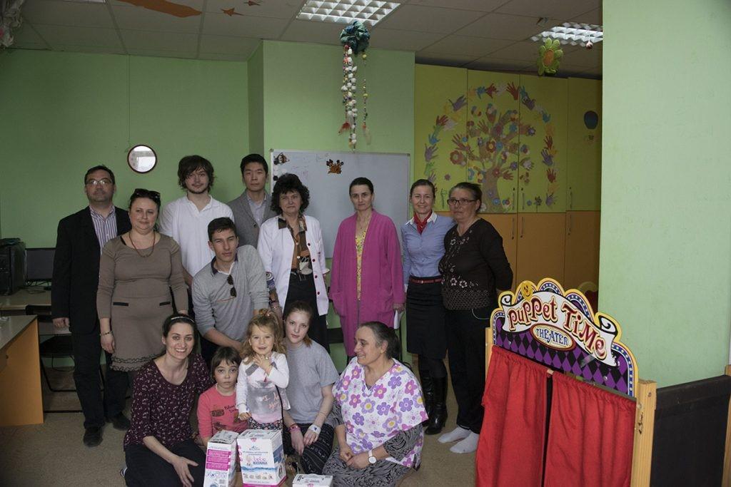Bebe Bucovina a venit la copiii de la Fundeni