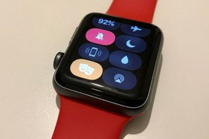 Apple watch OS 3.2 With Advanced Theater Mode With Automatic Lighting Feature