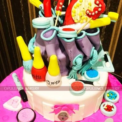 4 Pounds Makeup Themed Cake