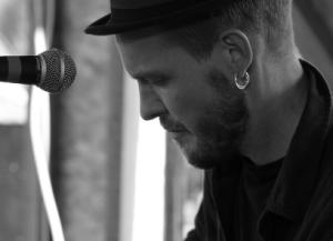 Tom Woods : folk-blues réconfortante