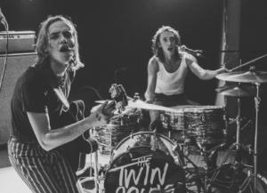 Deuxième EP du duo rock The Twin Souls