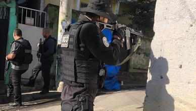 """""""Operação Cabeças IV/Coalizão do Bem"""" fez autuações em flagrante e apreendeu uma tonelada de drogas, além de munições de calibre ponto 50, fuzil e granada"""