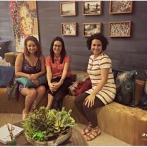 Maíra e arquitetas Jamile Câmara e Larissa Mendes
