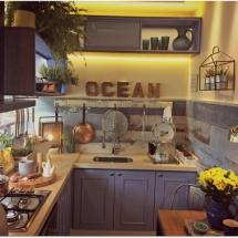Cozinha pequena e super bem decorada e otimizada