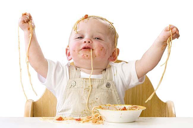 crianças comem diferente