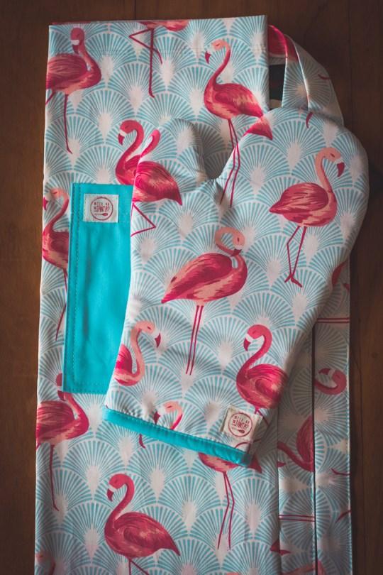 Kit Avental + Luva de Forno Flamingos