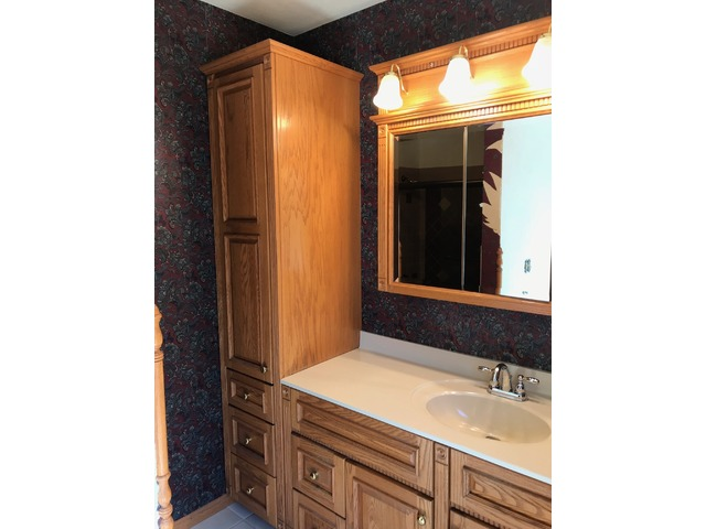 Solid Oak Bertch Bathroom Vanity With Side Closet Mirror And Lighting In Mount Pleasant Henry County Iowa Clackamas County Buy Sell Trade