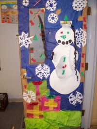 Holiday Door Decorating School