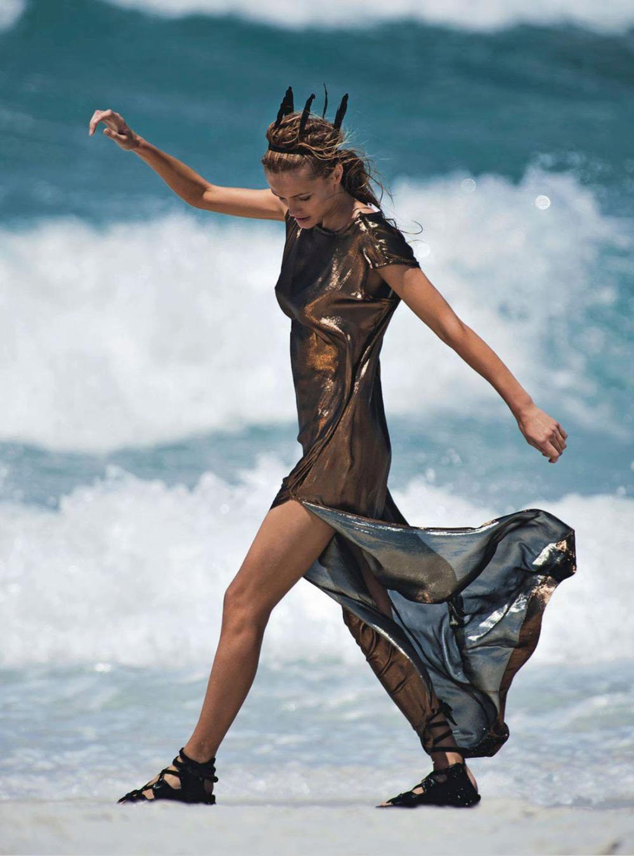 Edita Vilkeviciute giles gilles bensimon vogue australia christine centenera june 2014 beach alexander wang proenza schouler gucci louis vuitton beach editorial oracle fox oraclefox