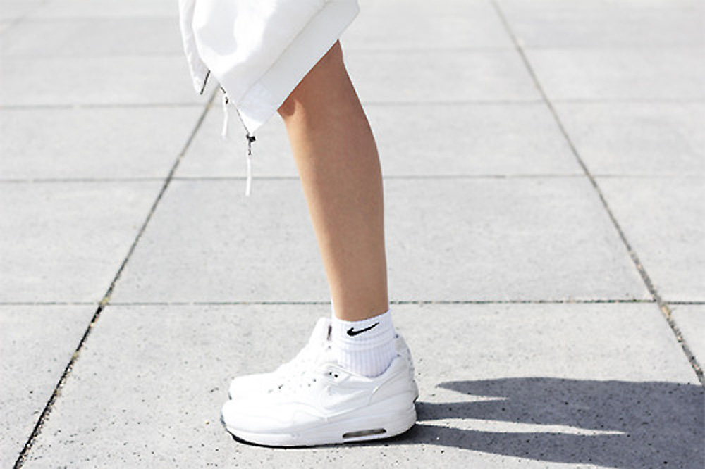 socks, sneakers, white, nike, black, air, fashion, editorial, miranda, kerr, street, style, barber, fiahlo, fialho, backstage, adidas, celine,