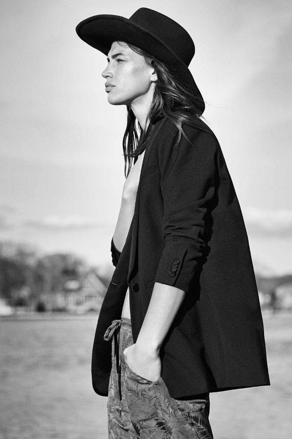 Cass, bird, crysta, crista, cover, model, photographer, fields, fashion, editorial, oracle, fox