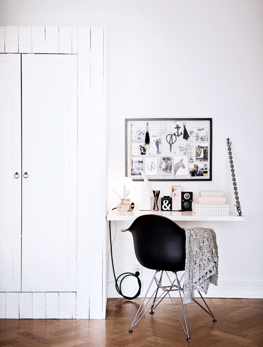 tiny, spaces, sunday, sanctuary, small, interiors, white, office, scandinavian, house, oracle, fox