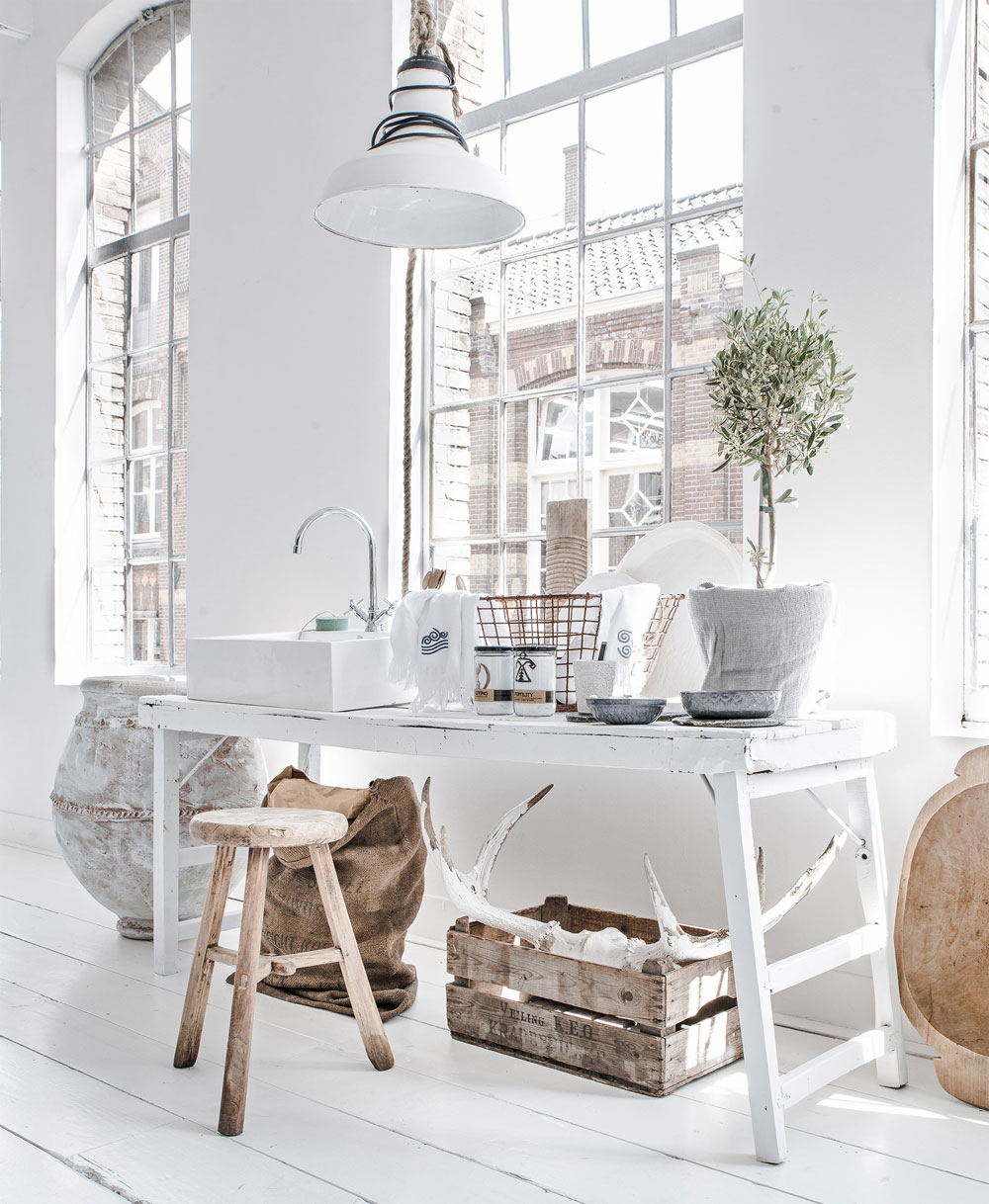 oracle, fox, sunday, sanctuary, paulina, arcklin, minimal, white, interior, design, light.