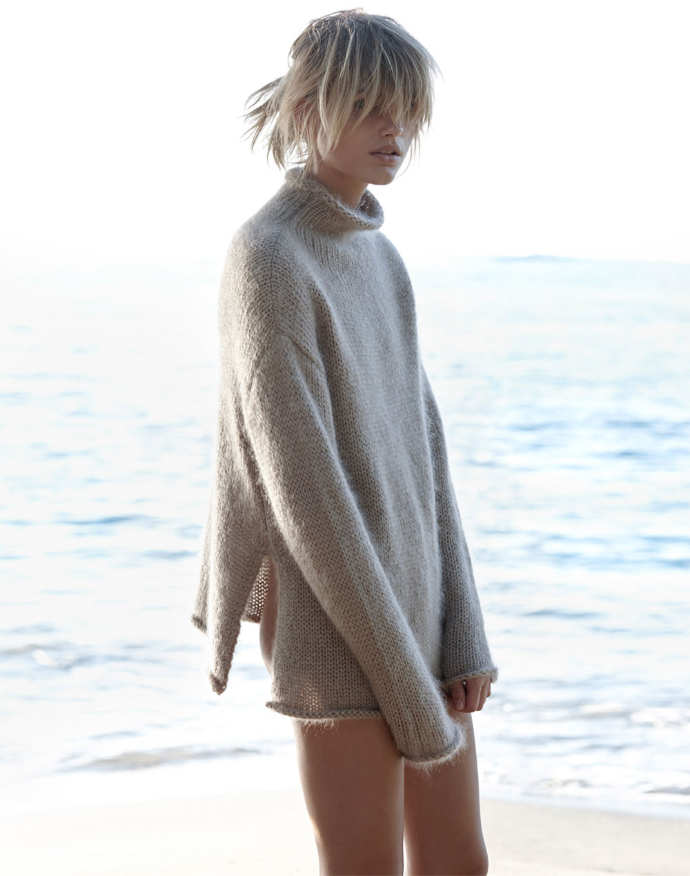 louise, mikkelsen, by, stephen, ward, elle, australia, february, 2015, Oracle, Fox, winter, beach, chunky, knit, editorial,