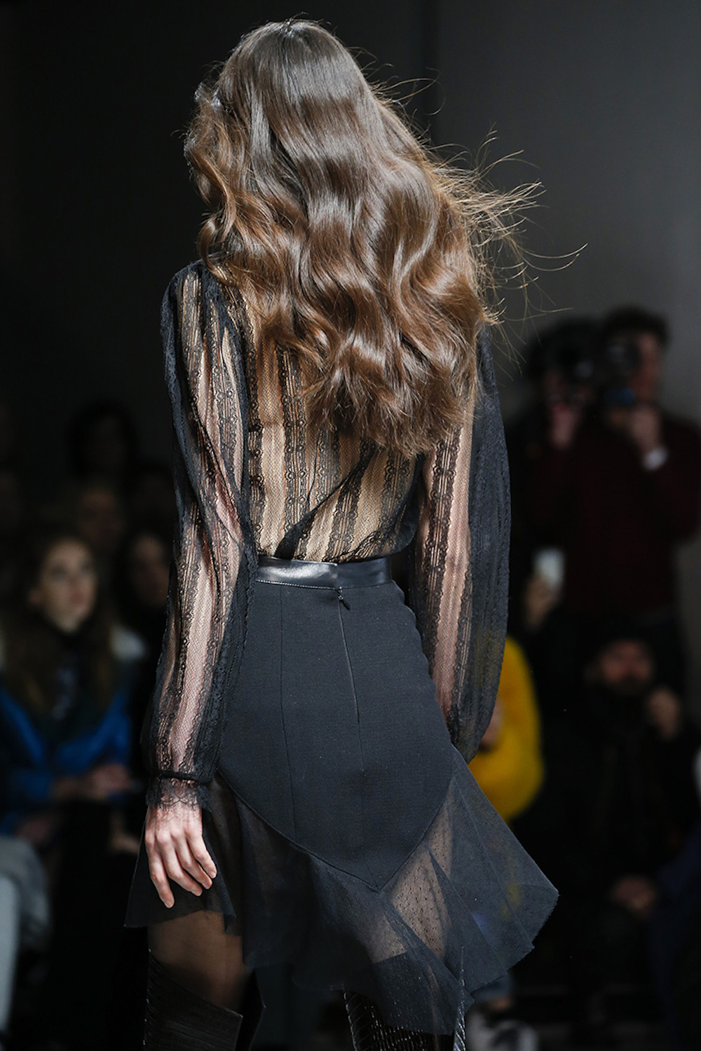 12-rodarte-rtw-fw15-details-hair-inspiration-soft-waves-oracle-fox