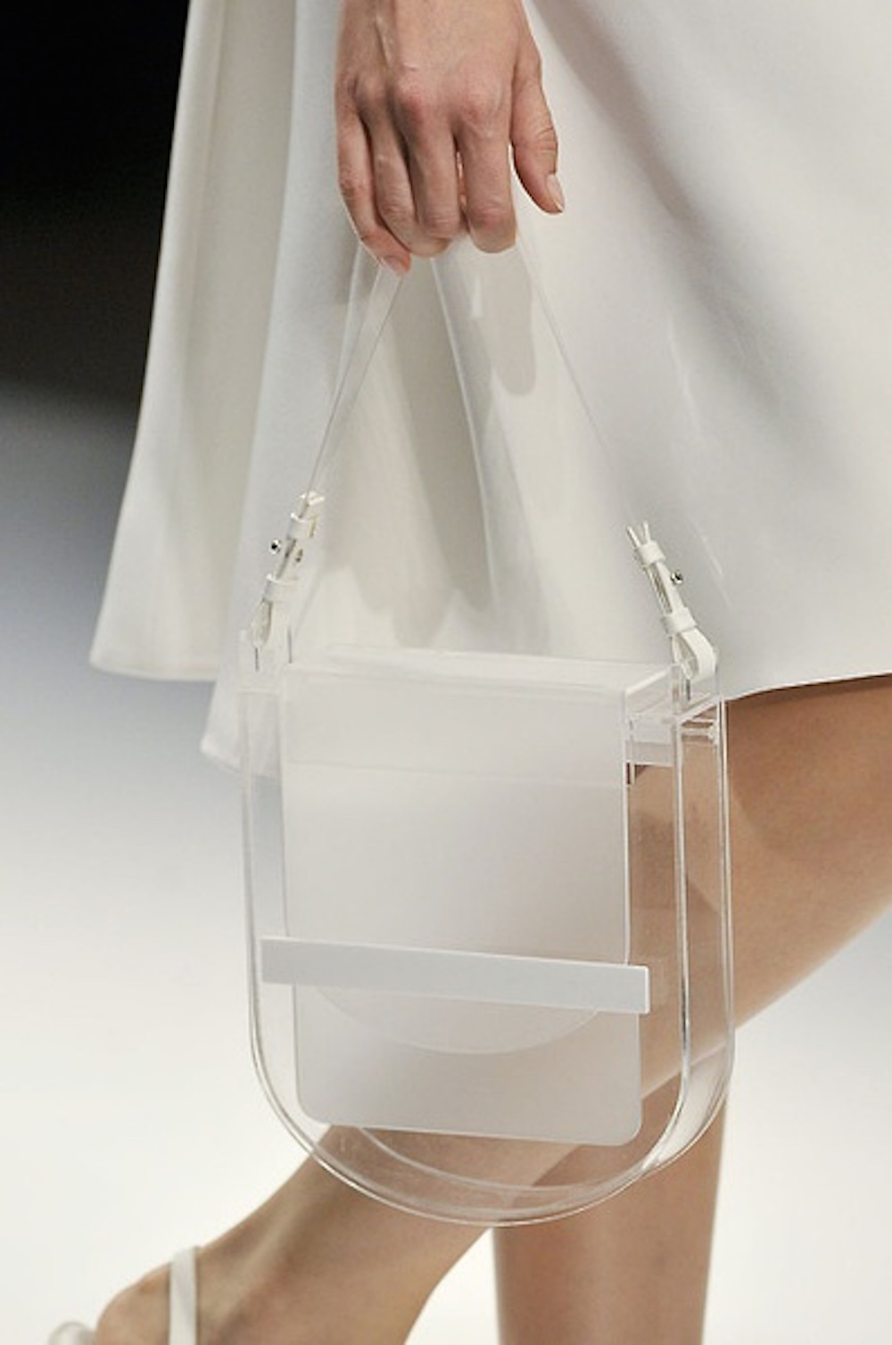 26-sheer-transparent-bag-runway-oracle-fox