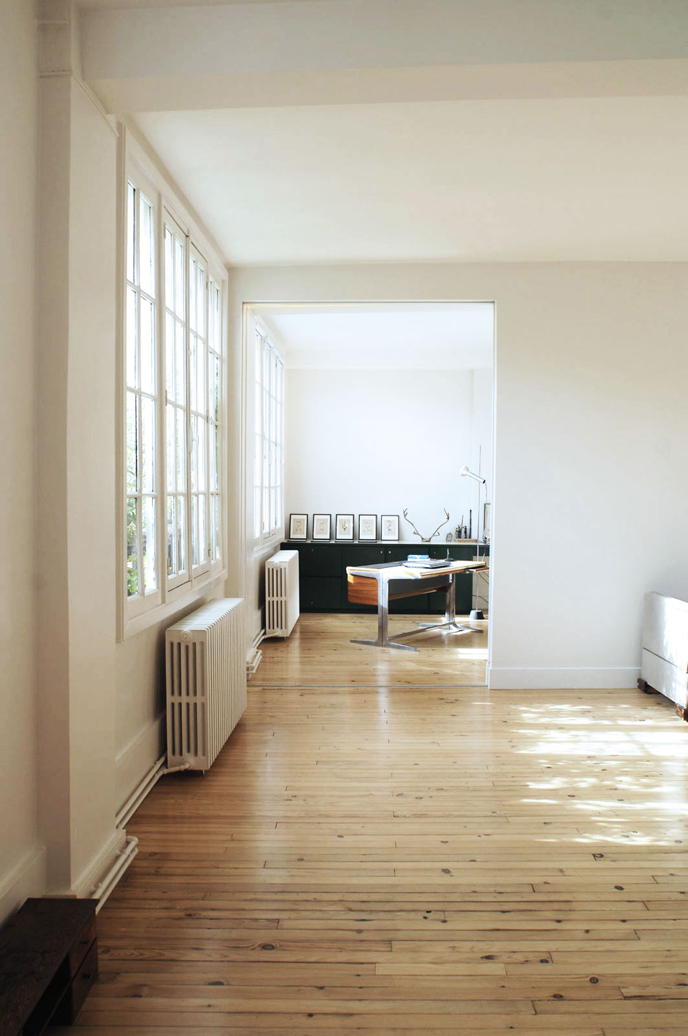 oracle, fox, sunday, sanctuary, timber, minimalist, house, paris, natural, light, bay, windows, photo, wall