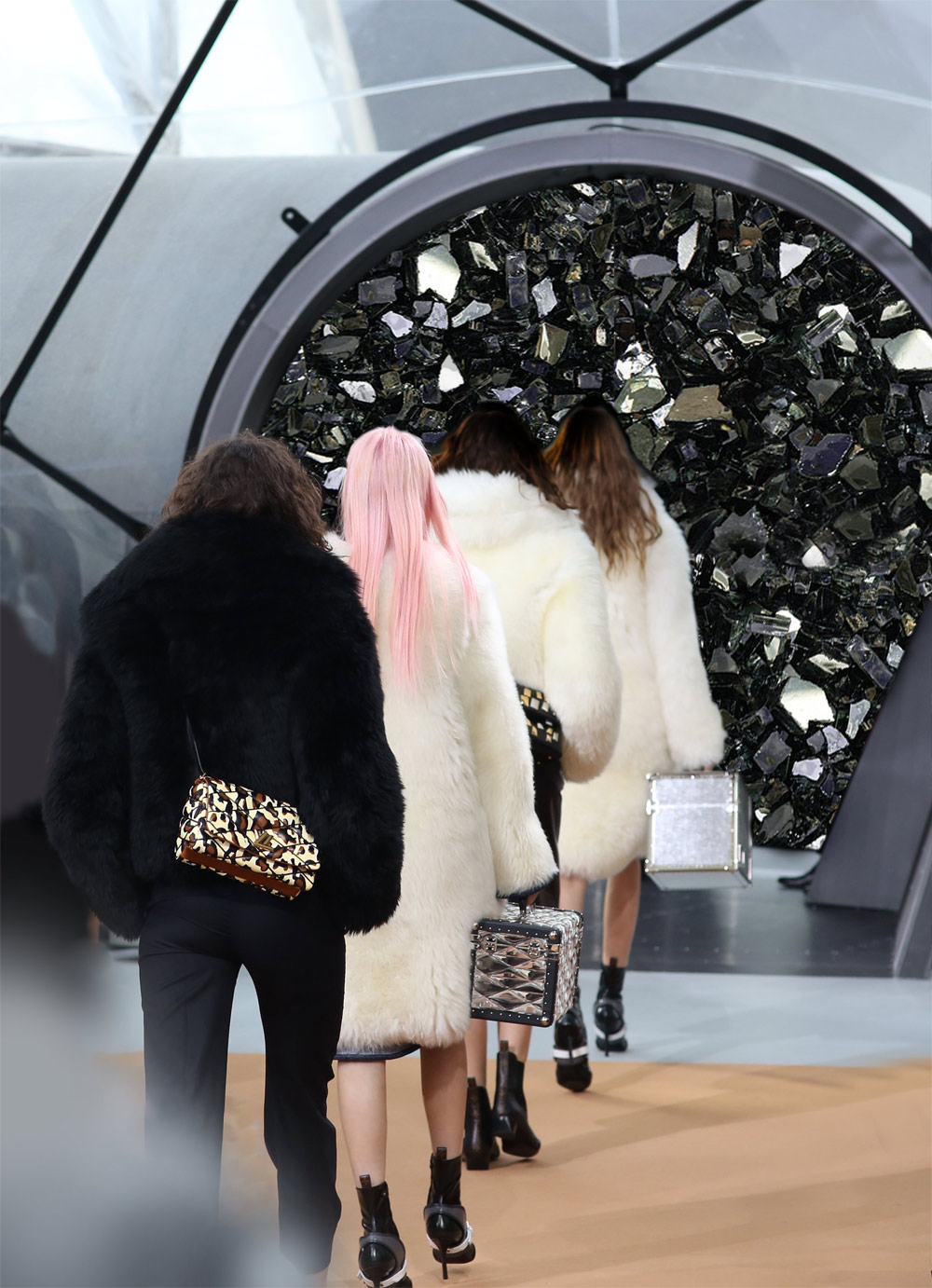 louis vuitton fall 2015, louis vuitton, autumn winter, 2015, AW 2015, paris, 2015 show, 2016-2016, oracle fox ,