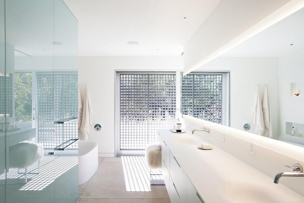 Oracle, Fox, Sunday, Sanctuary, California, Dreaming, Open, Minimal, Interior, Design, Bright, White, Glass, Bathroom