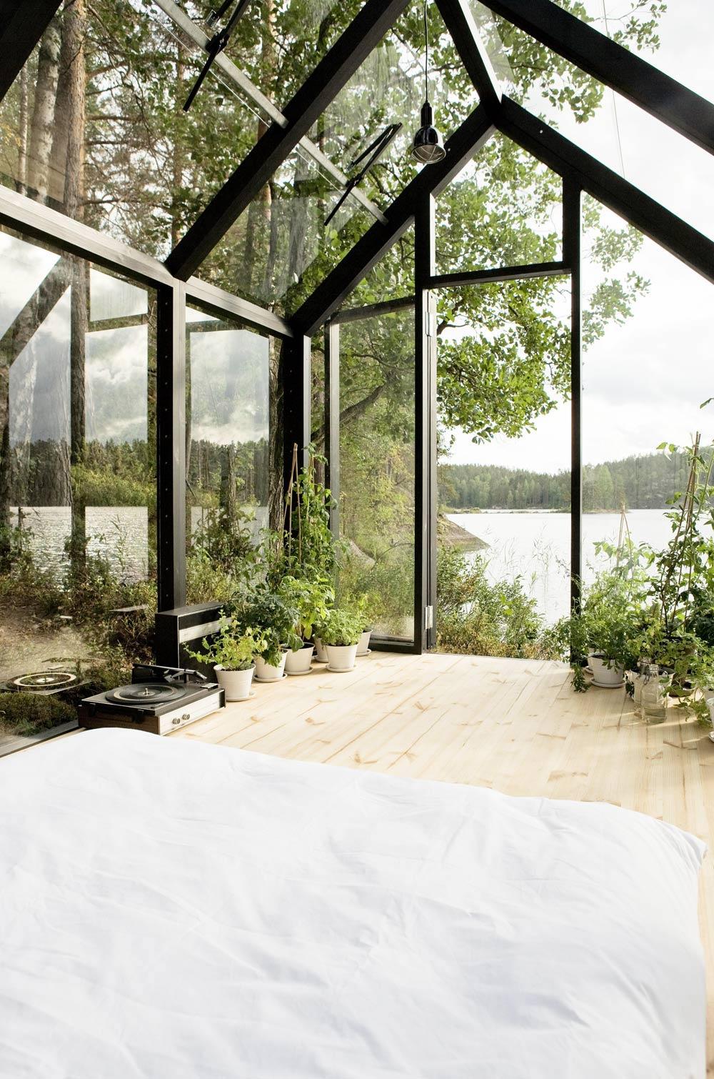 Oracle, Fox, Sunday, Sanctuary, White, Interior, White, Greenhouse, Bedroom