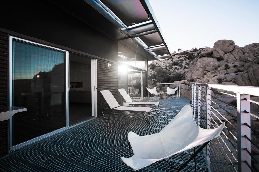 Oracle, Fox, Sunday, Sanctuary, The, Rock, Reach, House, Desert, Modernism, Living, Room, Exterior, balcony