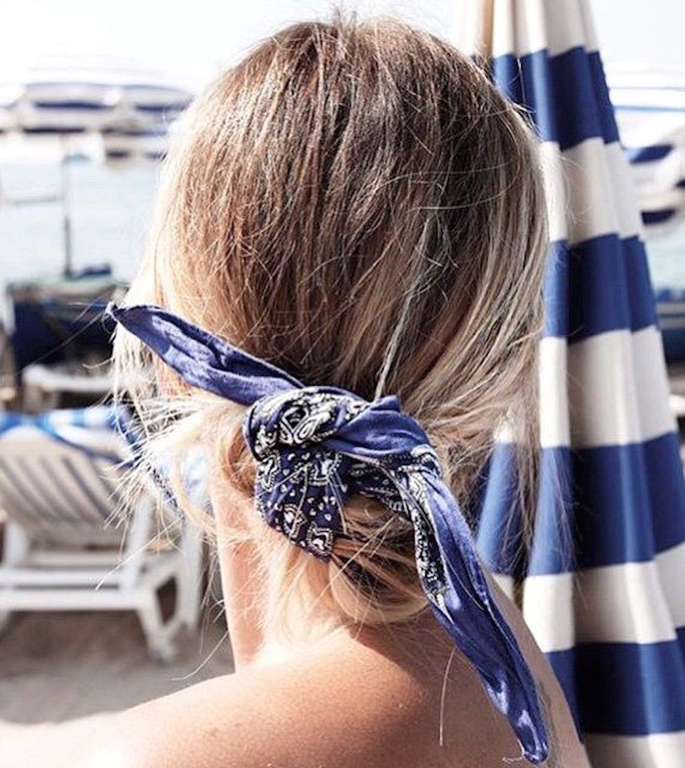 bandana, navy, hair, bun, oracle, fox, how to, bandana, trend