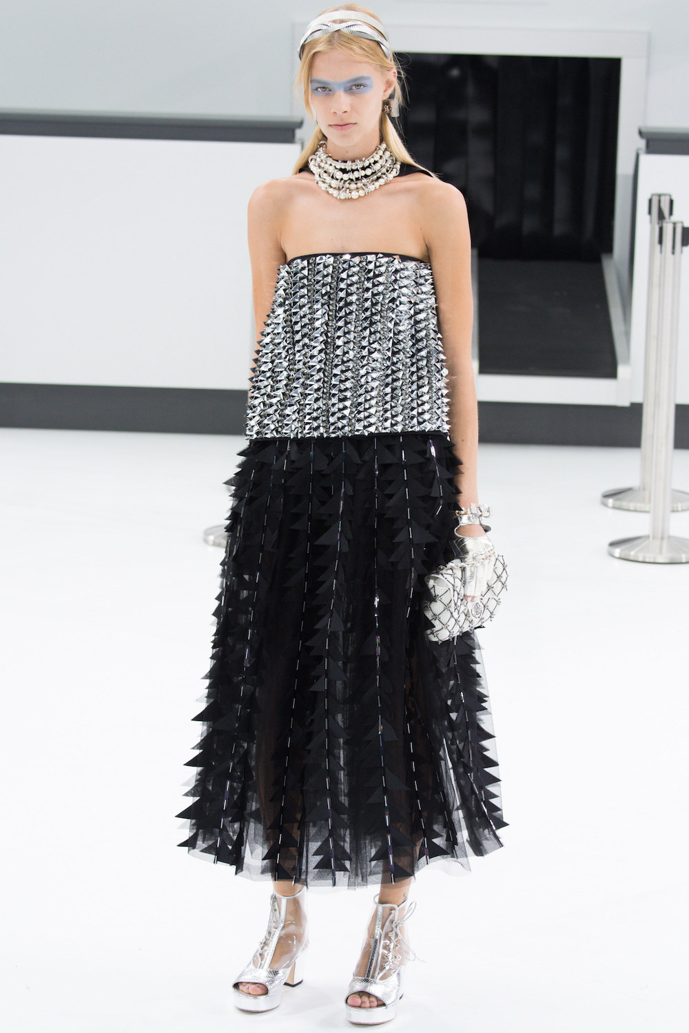 silver-chanel-spring-2016-runway-ss16-fashion-oracle-fox