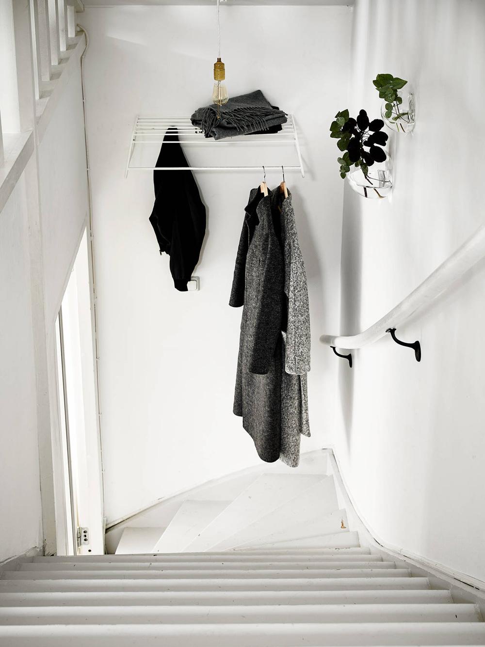 Oracle-Fox-Sunday-Sanctuary-Elsewhere-Small-Apartment-living-Alternative-Scandinvian-Interior-13