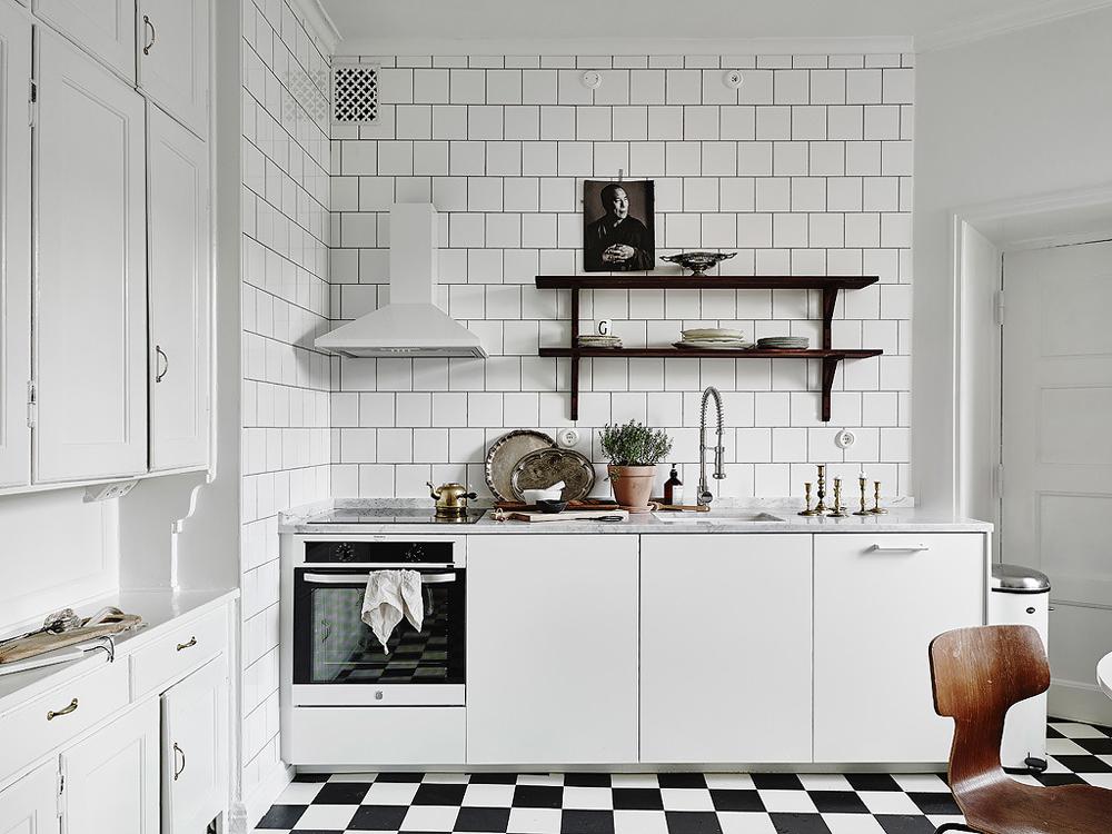 Oracle-Fox-White-Scandinavian-Interior-Bright-Apartment-14