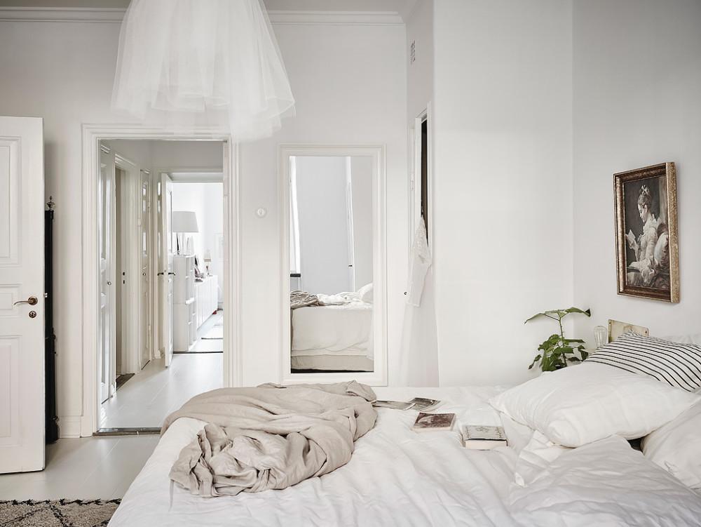 Oracle-Fox-White-Scandinavian-Interior-Bright-Apartment-21