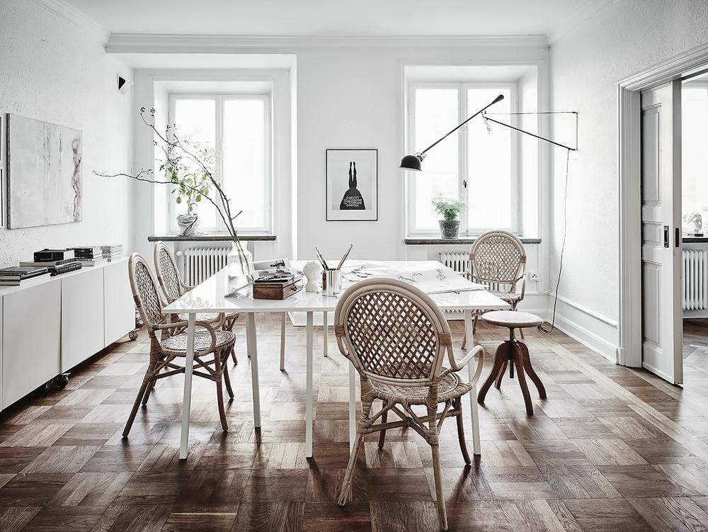 Oracle-Fox-White-Scandinavian-Interior-Bright-Apartment-7