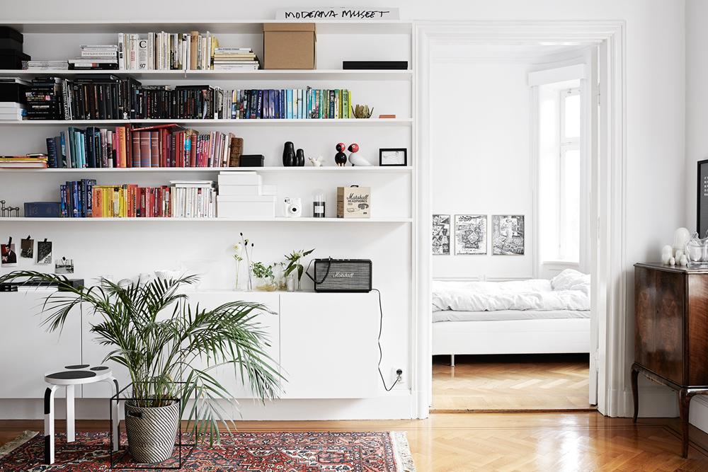Oracle, Fox, Sunday, Sanctuary, Boy, Meets, Girl, Scandinavian, Interior, Bedroom, Bookcase