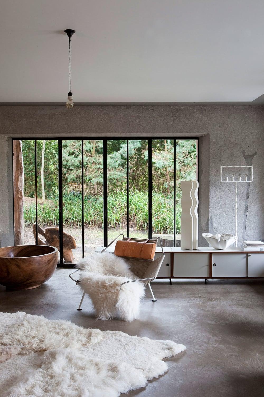 Oracle, Fox, Sunday, Sanctuary, Extracurricular, Bea, Members, Hotel, Belgium, Industrial, Style, Interior, Designer, White, Concrete, Room