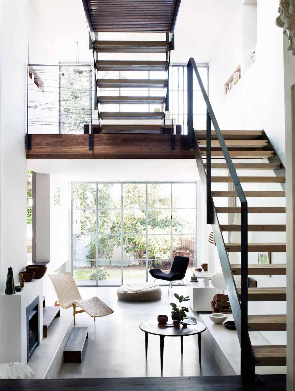 4.1.Birrell5-moderne-treppe-high-ceilings-interiors-oracle-fox