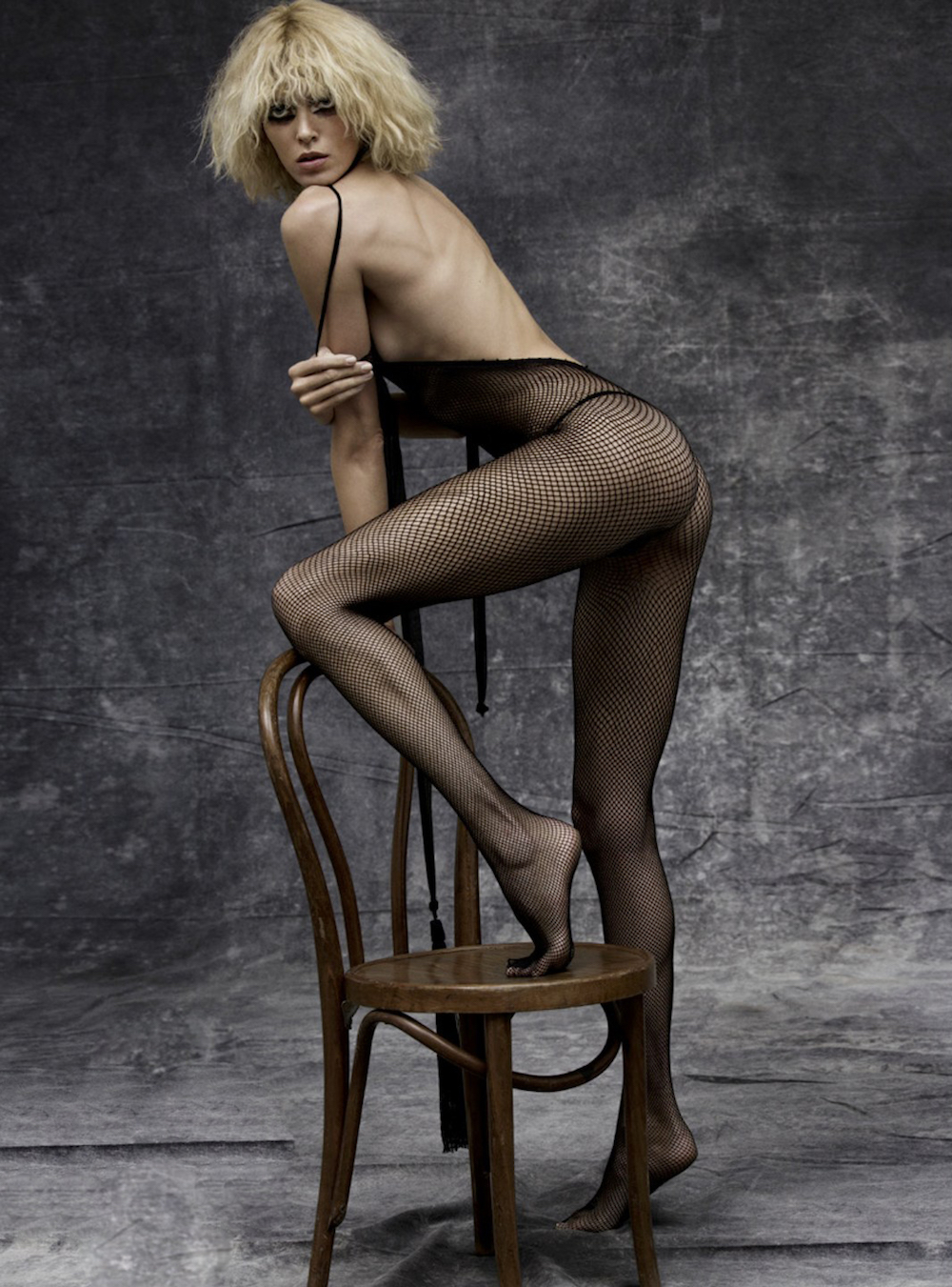 Anja Rubik by Inez & Vinoodh-fishnet-trend-oracle-fox
